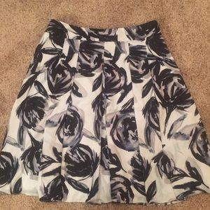 Nwt high waisted fit and flare skirt